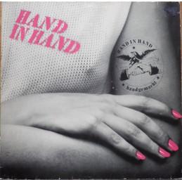 Hand In Hand – Handgemacht